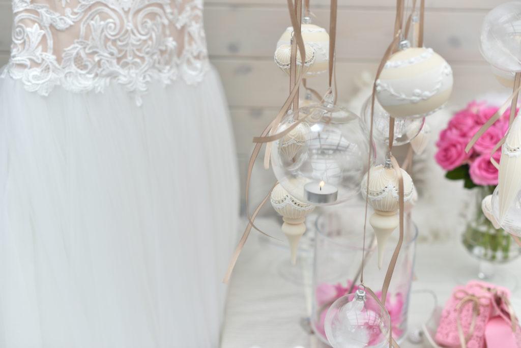 Svatební dekorace, inspirace v bílé barvě.