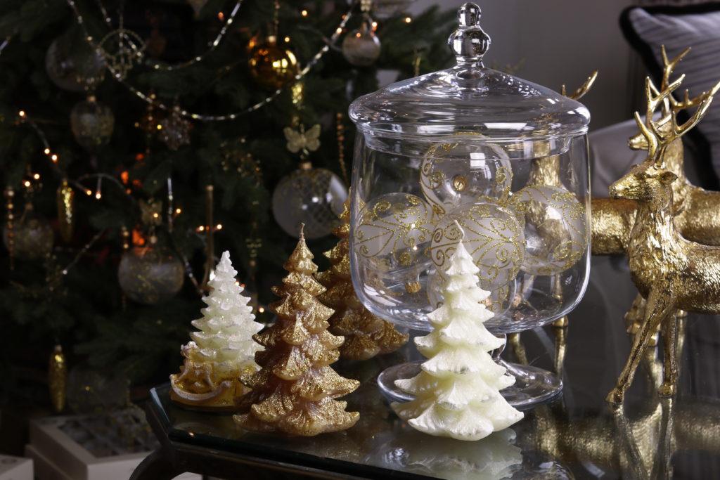 Originální svíčky ve tvaru stromečku.
